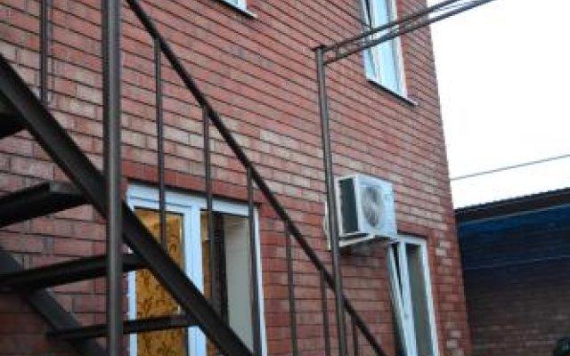 Гостиница Guest House Arevik в Ейске отзывы, цены и фото номеров - забронировать гостиницу Guest House Arevik онлайн Ейск вид на фасад