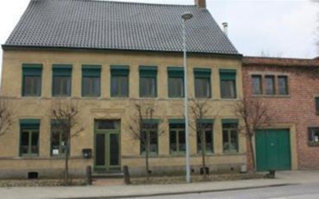 Отель B&B Lappersfort вид на фасад