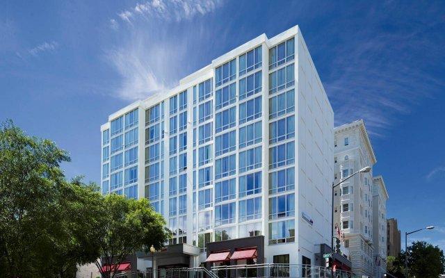Отель Generator Washington DC вид на фасад