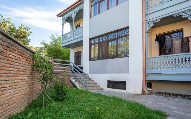 Отель Meidan Suites Грузия, Тбилиси - отзывы, цены и фото номеров - забронировать отель Meidan Suites онлайн вид на фасад