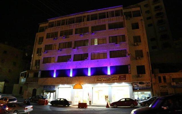 New Merryland Hotel вид на фасад