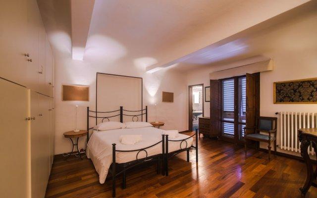 Отель Amazing View to Pitti Palace 3BD Apt комната для гостей