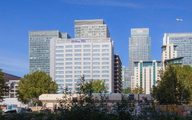 Отель Hilton London Canary Wharf вид на фасад