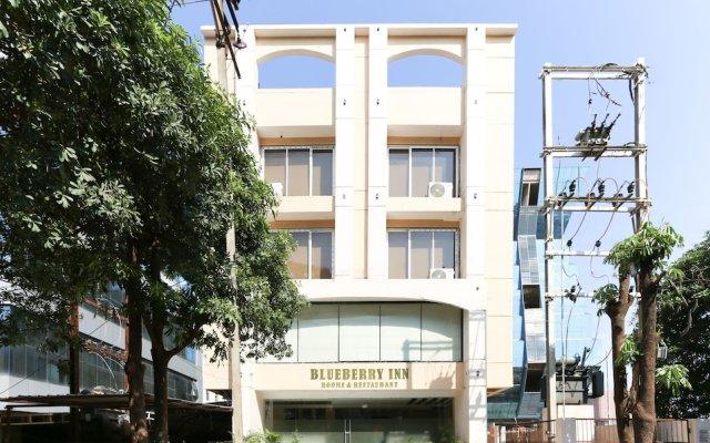 Отель Treebo Trend Blueberry Inn Индия, Райпур - отзывы, цены и фото номеров - забронировать отель Treebo Trend Blueberry Inn онлайн вид на фасад
