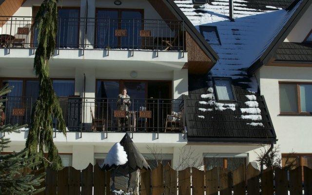 Отель Apartament z widokiem вид на фасад