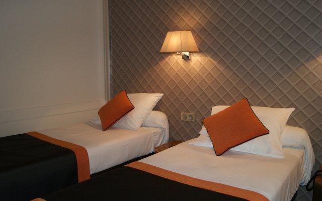 Отель Damiens Франция, Париж - 8 отзывов об отеле, цены и фото номеров - забронировать отель Damiens онлайн вид на фасад