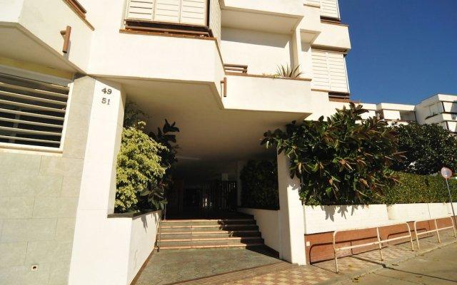 Отель HomeHolidaysRentals Apartamento Canet Playa l - Costa Barcelona вид на фасад