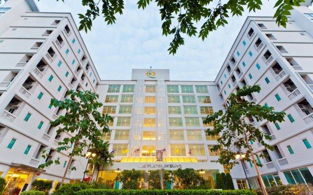 Отель The Platinum Suite вид на фасад