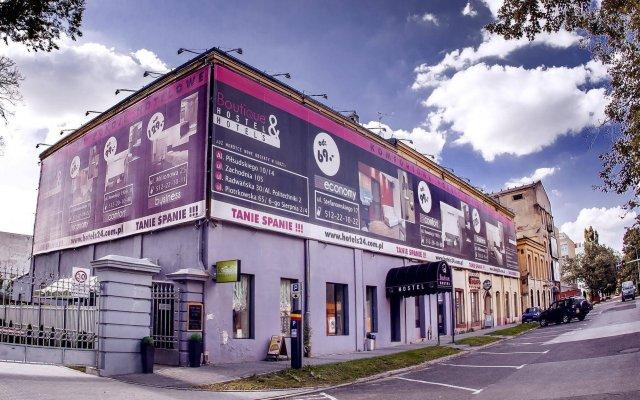 Отель Boutique Hostel Польша, Лодзь - 1 отзыв об отеле, цены и фото номеров - забронировать отель Boutique Hostel онлайн вид на фасад