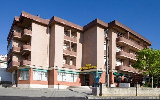 Отель Apartamentos Los Arces вид на фасад
