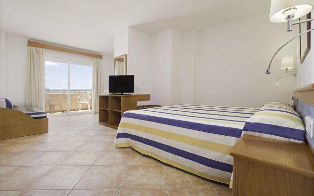 Отель Azuline Hotel - Apartamento Rosamar Испания, Сан-Антони-де-Портмань - отзывы, цены и фото номеров - забронировать отель Azuline Hotel - Apartamento Rosamar онлайн вид на фасад
