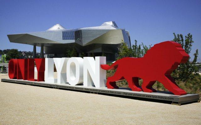 Отель ibis budget Lyon Gerland Франция, Лион - отзывы, цены и фото номеров - забронировать отель ibis budget Lyon Gerland онлайн вид на фасад