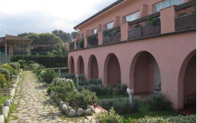 Hotel Del Golfo Проччио вид на фасад