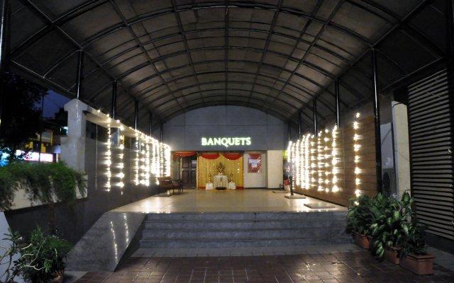 Отель Abbott Hotel Индия, Нави-Мумбай - отзывы, цены и фото номеров - забронировать отель Abbott Hotel онлайн вид на фасад
