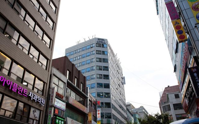 Отель J Hill Myeongdong Сеул вид на фасад