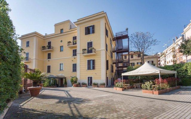 Отель Romoli Hotel Италия, Рим - 6 отзывов об отеле, цены и фото номеров - забронировать отель Romoli Hotel онлайн вид на фасад
