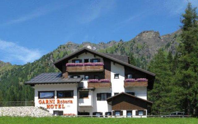 Hotel Garni Roberta Рокка Пьеторе вид на фасад