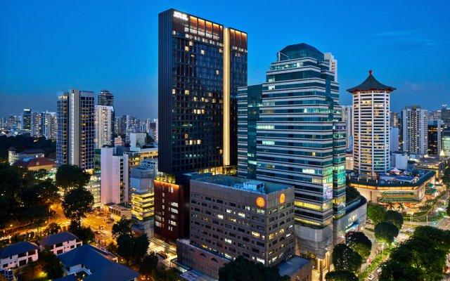 Отель YOTEL Singapore Orchard Road вид на фасад