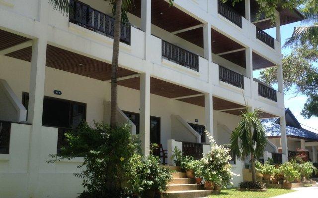 Отель Marina Beach Resort вид на фасад