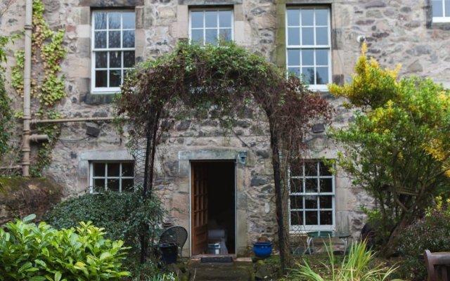Отель Calton Hill Idyllic Cottage Feel Next 2 Princes St Эдинбург вид на фасад