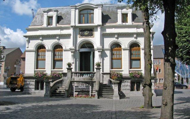 Отель Corbie Lommel Бельгия, Ломмел - отзывы, цены и фото номеров - забронировать отель Corbie Lommel онлайн вид на фасад