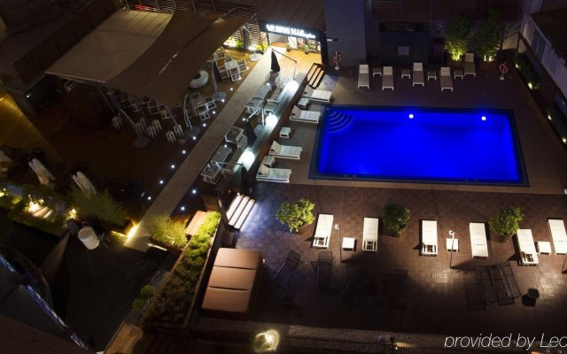 Отель Wellington Hotel & Spa Madrid Испания, Мадрид - 9 отзывов об отеле, цены и фото номеров - забронировать отель Wellington Hotel & Spa Madrid онлайн вид на фасад