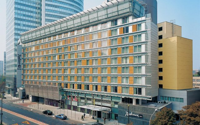 Отель Radisson Collection Hotel Warsaw Польша, Варшава - 12 отзывов об отеле, цены и фото номеров - забронировать отель Radisson Collection Hotel Warsaw онлайн вид на фасад