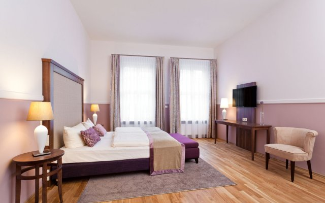 Отель Hyperion Dresden Am Schloss Германия, Дрезден - 4 отзыва об отеле, цены и фото номеров - забронировать отель Hyperion Dresden Am Schloss онлайн вид на фасад