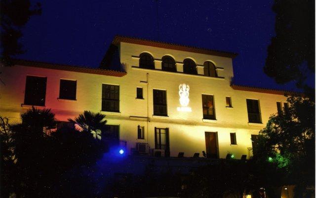 Отель El Castell Испания, Сан-Бой-де-Льобрегат - отзывы, цены и фото номеров - забронировать отель El Castell онлайн вид на фасад