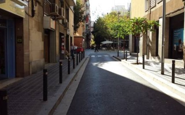 Отель Hostal Liwi Испания, Барселона - отзывы, цены и фото номеров - забронировать отель Hostal Liwi онлайн вид на фасад
