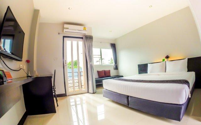 Отель My Place Phuket Airport Mansion комната для гостей