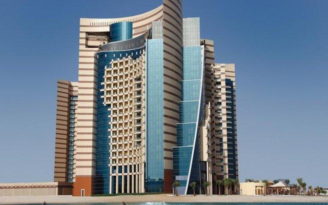 Отель Khalidiya Palace Rayhaan by Rotana, Abu Dhabi вид на фасад