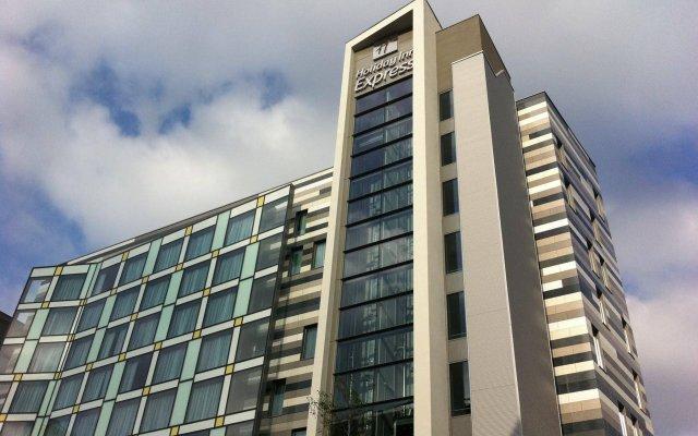 Отель Holiday Inn Express Manchester City Centre Arena Великобритания, Манчестер - отзывы, цены и фото номеров - забронировать отель Holiday Inn Express Manchester City Centre Arena онлайн вид на фасад