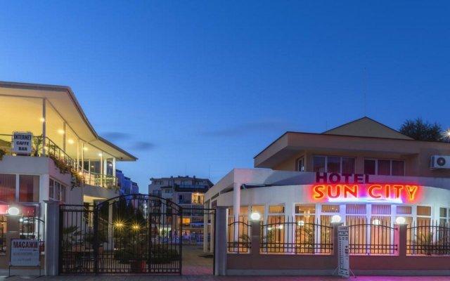 Отель FM Deluxe 1-BDR Apartment in Prestige City Sunny Болгария, Солнечный берег - отзывы, цены и фото номеров - забронировать отель FM Deluxe 1-BDR Apartment in Prestige City Sunny онлайн вид на фасад