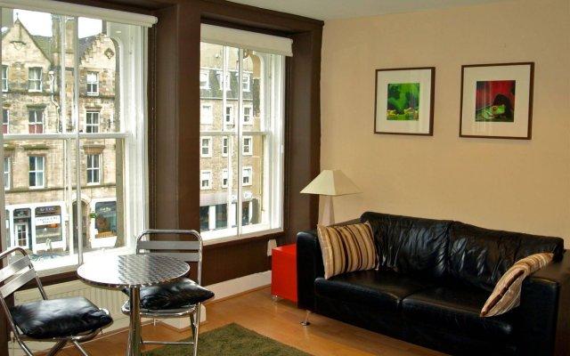 Апартаменты Greyfriars Apartments комната для гостей