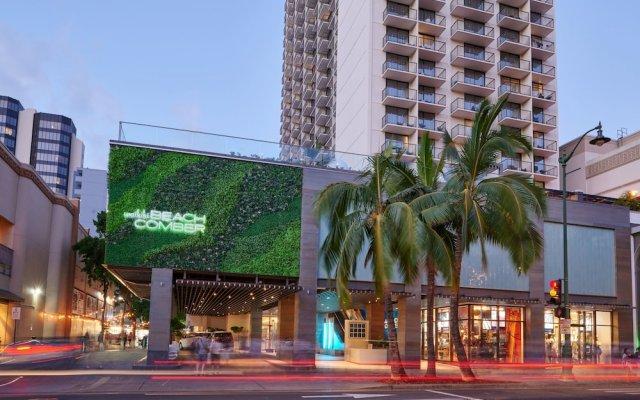 Отель Waikiki Beachcomber by Outrigger вид на фасад