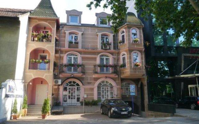 Отель Guest House Vila Lord Сербия, Нови Сад - отзывы, цены и фото номеров - забронировать отель Guest House Vila Lord онлайн вид на фасад
