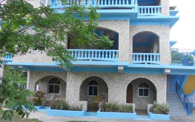 Cotton Tree Hotel вид на фасад