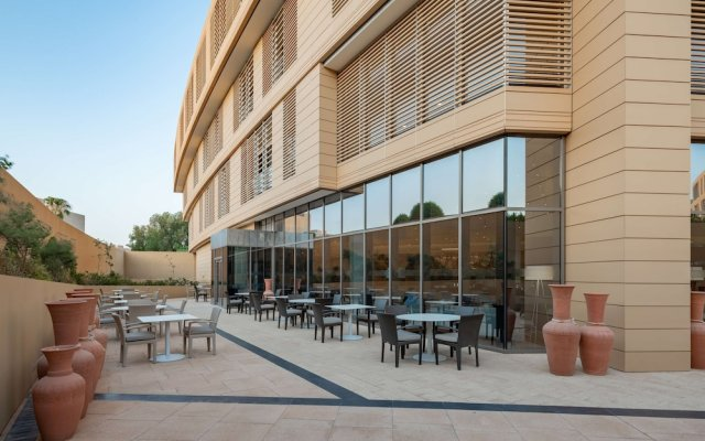 Radisson Blu Hotel & Residence, Riyadh Diplomatic Quarters вид на фасад