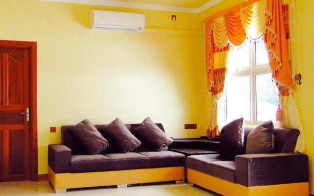 Отель Najaf Central - Huraa комната для гостей