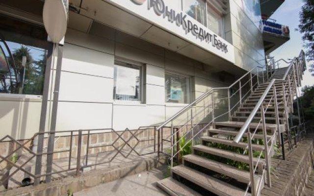 Гостиница Mezhdu morem i solntsem Hostel в Сочи отзывы, цены и фото номеров - забронировать гостиницу Mezhdu morem i solntsem Hostel онлайн вид на фасад