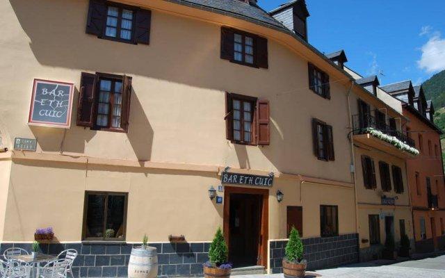 Отель Pension Casa Vicenta Испания, Вьельа Э Михаран - отзывы, цены и фото номеров - забронировать отель Pension Casa Vicenta онлайн вид на фасад