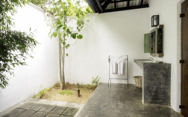 Отель Nisala Arana Boutique Hotel Шри-Ланка, Бентота - отзывы, цены и фото номеров - забронировать отель Nisala Arana Boutique Hotel онлайн вид на фасад