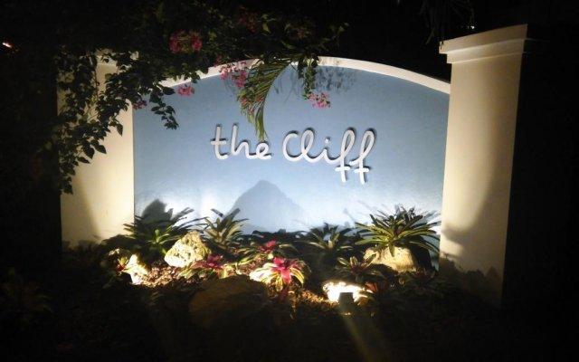 The Cliff Hotel вид на фасад