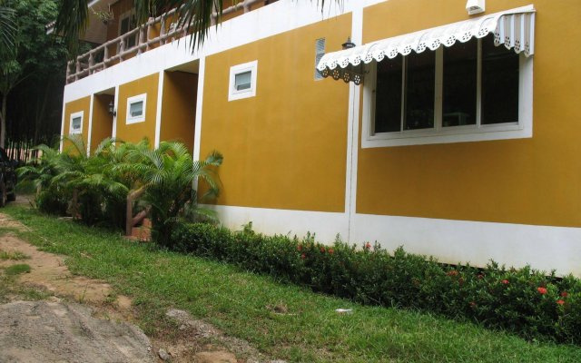 Отель Alif Apartment Таиланд, Ланта - отзывы, цены и фото номеров - забронировать отель Alif Apartment онлайн вид на фасад