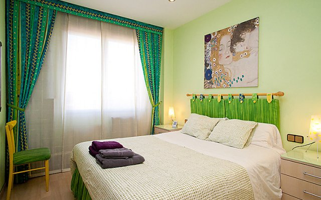 Отель Sants-Montjuïc Rambla Badal комната для гостей