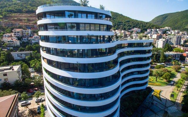 Отель Royal Gardens Budva Черногория, Будва - отзывы, цены и фото номеров - забронировать отель Royal Gardens Budva онлайн вид на фасад