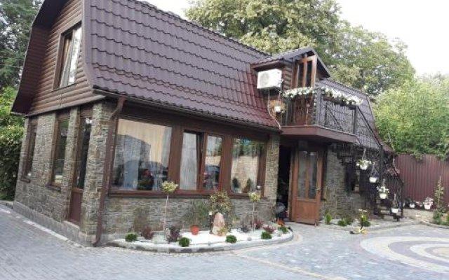 Гостиница Celebrity Украина, Каменец-Подольский - отзывы, цены и фото номеров - забронировать гостиницу Celebrity онлайн вид на фасад
