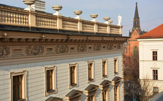 Отель SLAVIA вид на фасад