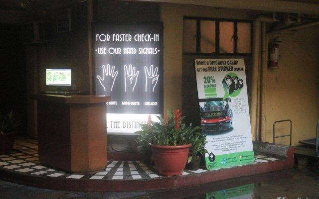 Отель Victoria Court Malate, Manila Филиппины, Манила - отзывы, цены и фото номеров - забронировать отель Victoria Court Malate, Manila онлайн вид на фасад